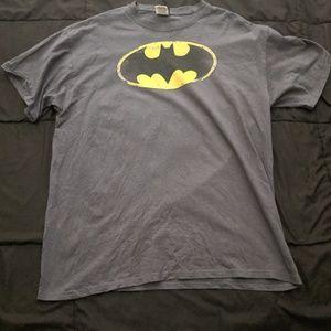 Distressed Batman Logo Men's Tshirt XL